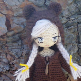 How to Embroider the Eyes of a Knitted Doll Sonechka