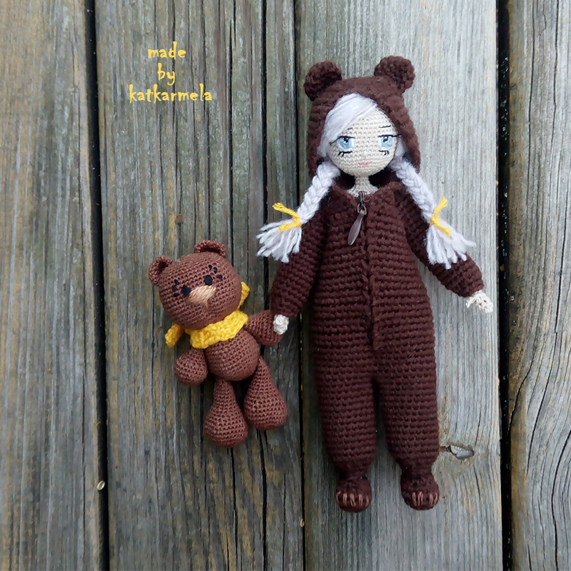 Knitted doll Sonechka