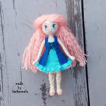 Knitted dress for a doll Reya: free pattern