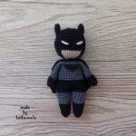 Мини игрушки: брелок Бэтмен крючком