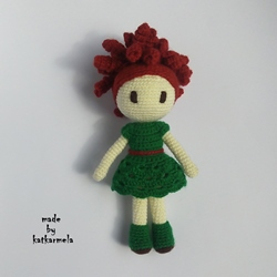 Crochet doll for beginners: flower spirit Mimi