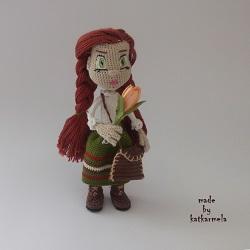 Связанная одежда для кукол крючком: травница Йеся