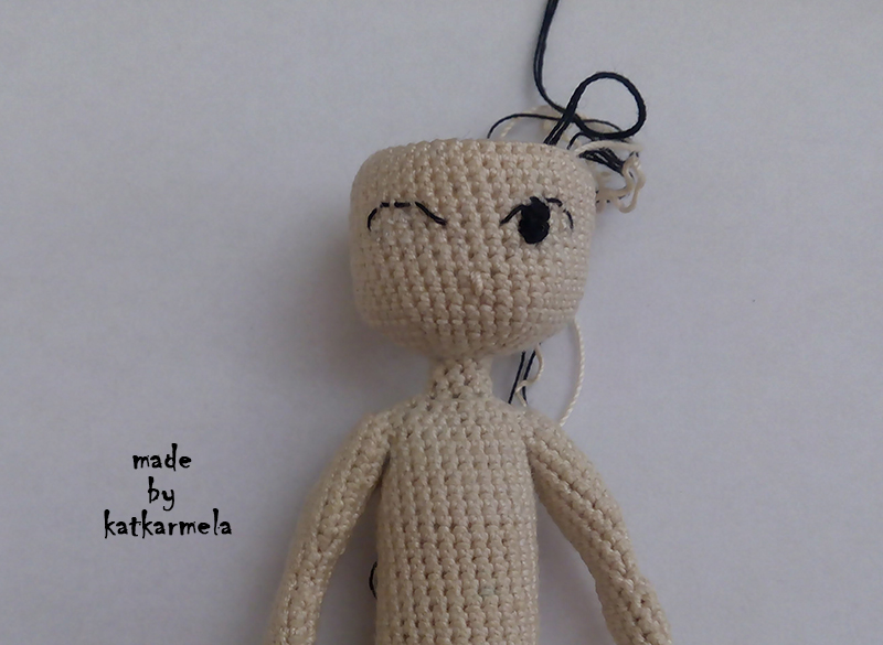 How to embroider a doll's eyes