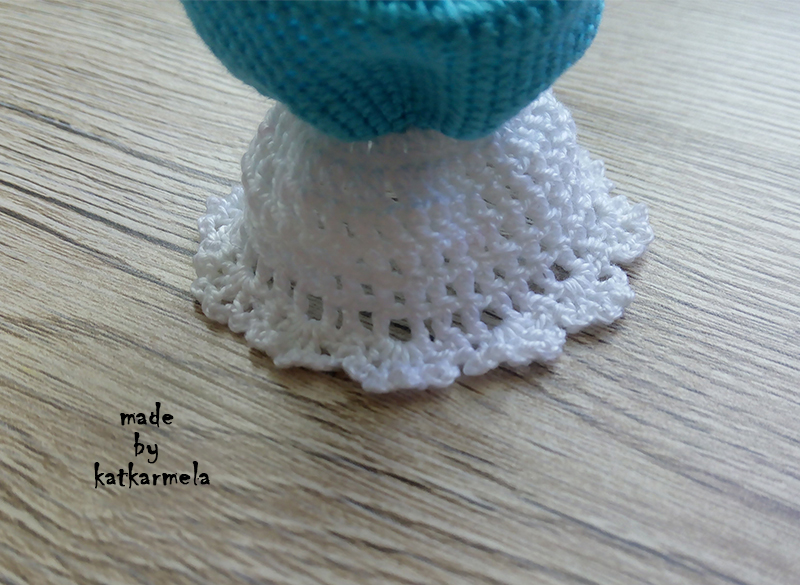 crochet doll Alisa