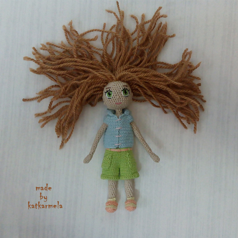 How to knit clothes for a doll