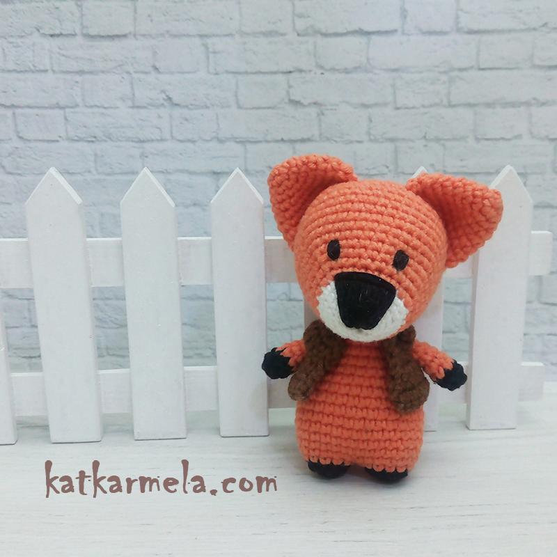 Crochet fox amigurumi