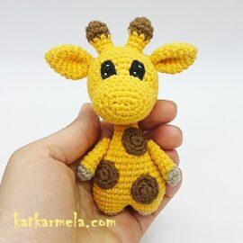 Amigurumi crochet giraffe: free pattern and video